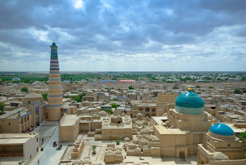 Panorama av en forntida stad av Khiva royaltyfria bilder