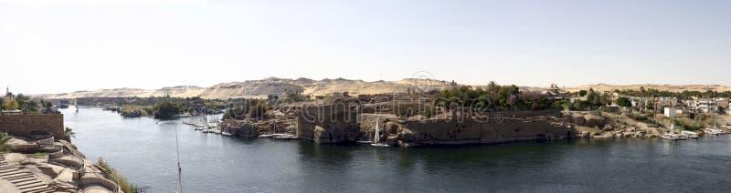 Panorama av floden nile i Aswan Egypten arkivfoton