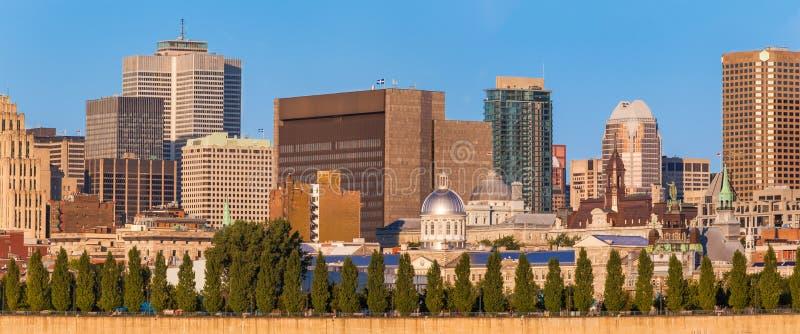 Panorama av gamla Montreal arkivbilder