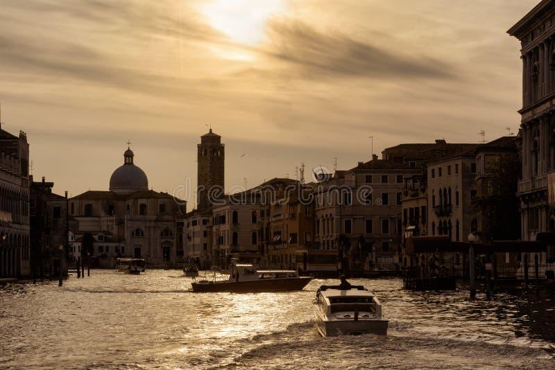 Panorama av Grand Canal på solnedgången, Venedig, Italien arkivfoton