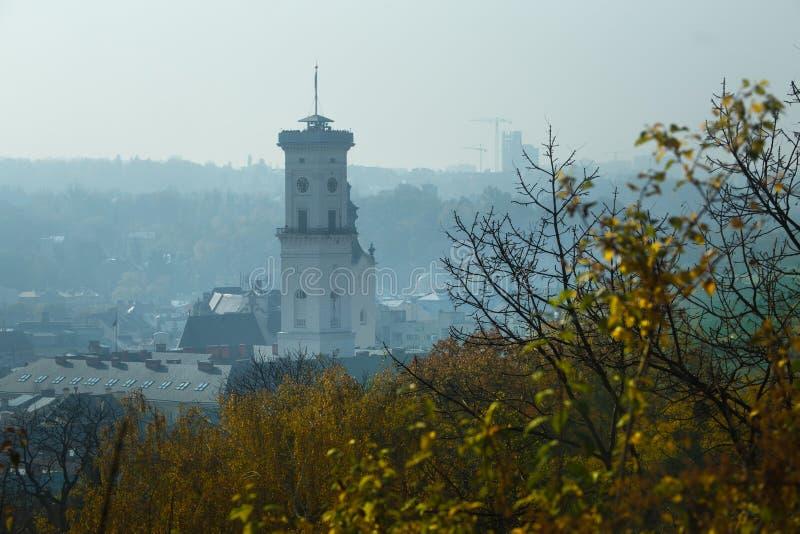 Panorama av höststaden royaltyfria foton
