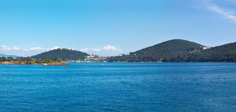 Panorama av Heybeliada arkivfoto