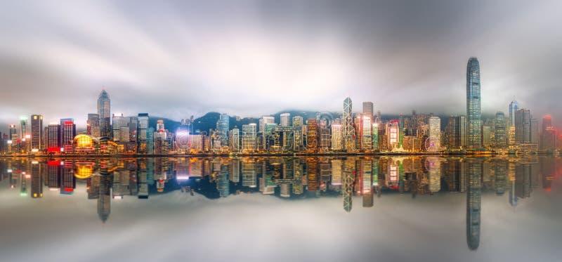 Panorama av Hong Kong och det finansiella området royaltyfria foton