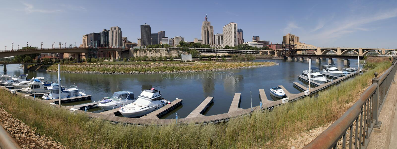 Panorama av i stadens centrum Saint Paul, Minnesota arkivfoton