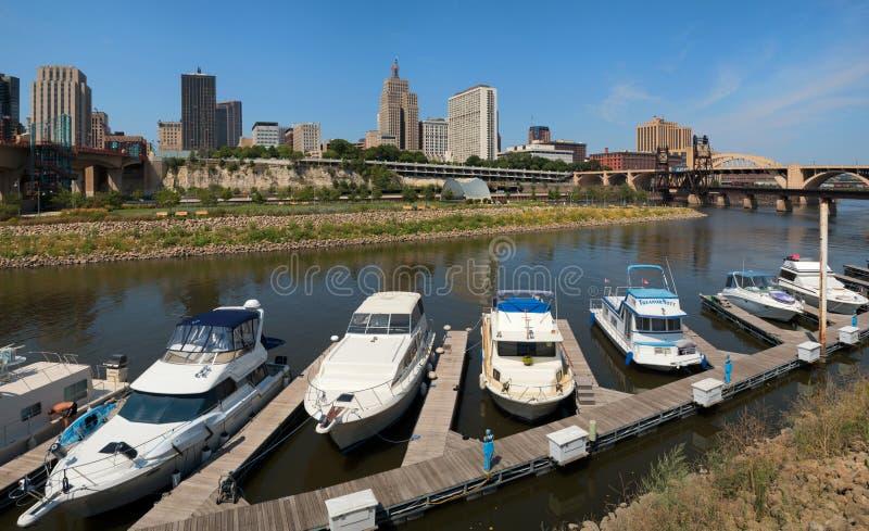 Panorama av i stadens centrum Saint Paul, Minnesota royaltyfria bilder