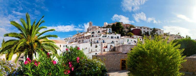 Panorama av Ibiza, Spanien royaltyfri bild