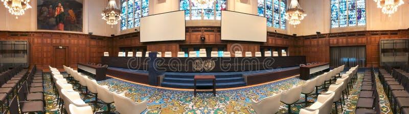 Panorama av ICJ-courtromen arkivfoto