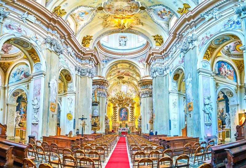 Panorama av inre av den St Anna kyrkan i Krakow, Polen fotografering för bildbyråer