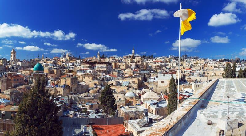 Panoramat - taklägger av den gammala staden, Jerusalem royaltyfria foton