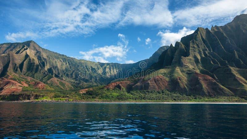 Panorama av kusten för Na Pali i Kauai royaltyfria foton