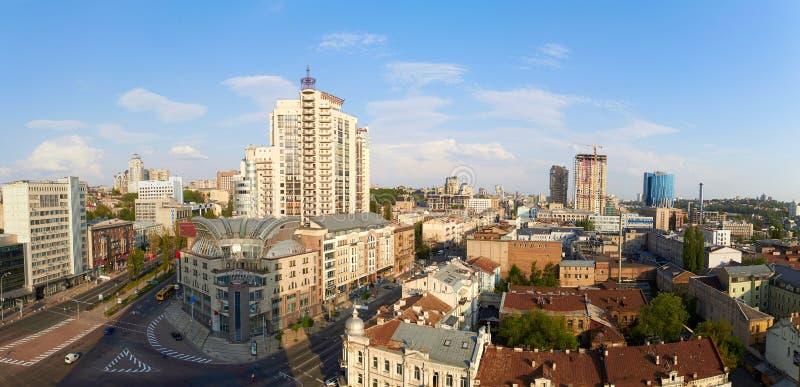 Panorama av kyivcentret, affärscityscape av Kiev, Ukraina Gammal och modern arkitektur i huvudstad av arkivbilder