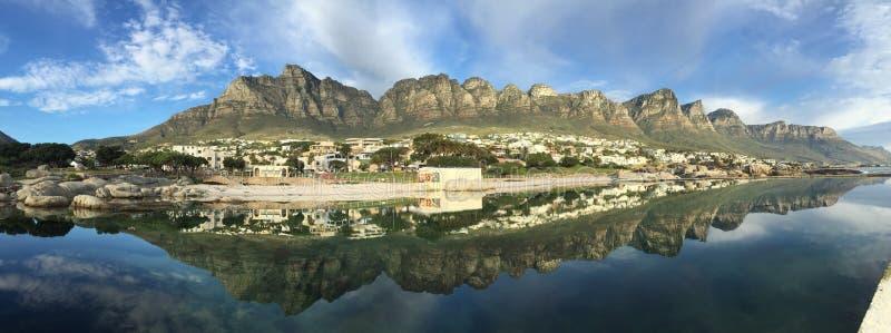 Panorama av läger fjärd, Cape Town fotografering för bildbyråer