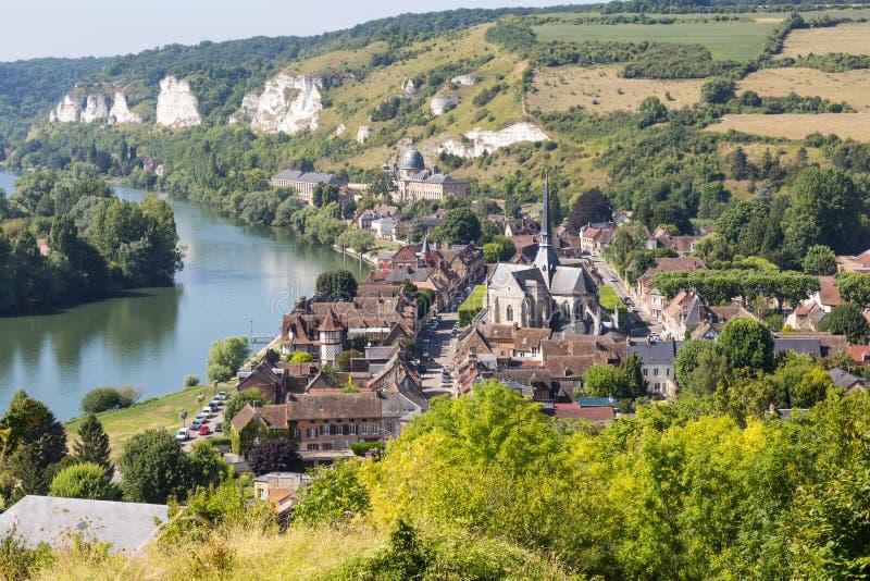 Panorama av Les Andelys, Normandie, Frankrike royaltyfri bild