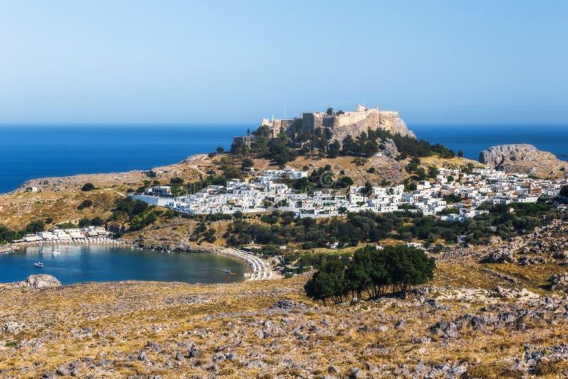 Panorama av Lindos och akropolen Rhodes ö Grekland fotografering för bildbyråer