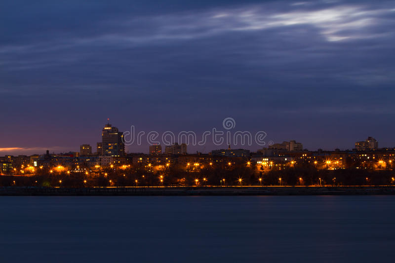 Panorama av nattstaden royaltyfri fotografi