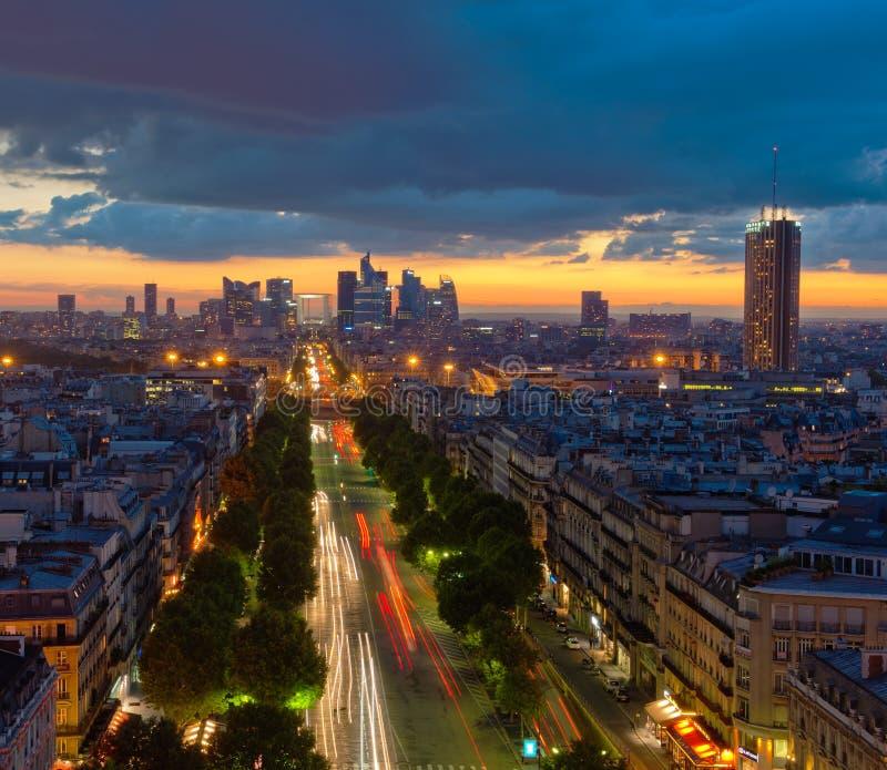 Panorama av Paris på solnedgången arkivbild