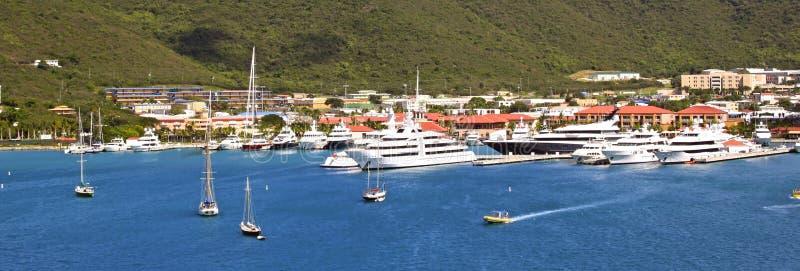 Panorama av port i St Thomas, USA Jungfruöarna arkivfoto