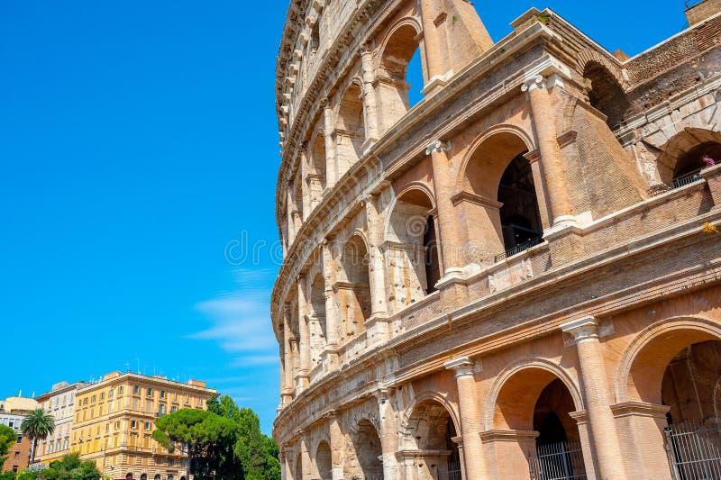 Panorama av Roman Colosseum royaltyfri bild