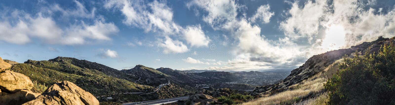 Panorama av San Fernando Valley Los Angeles CA arkivfoto