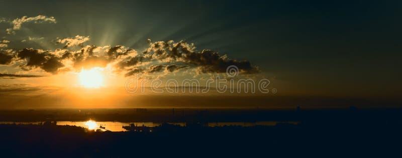 Panorama av soluppgång royaltyfria foton