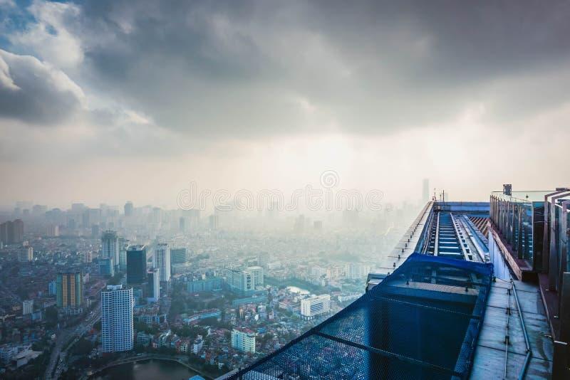 Panorama av staden av Hanoi från skyskrapan vietnam arkivbilder