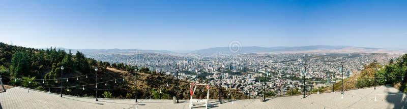 Panorama av Tbilisi, Georgia royaltyfri foto