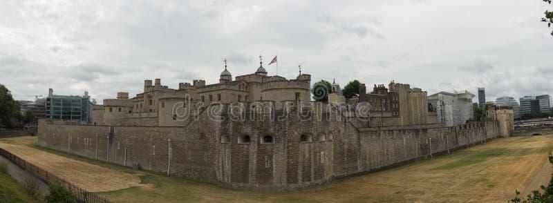 Panorama av tornet av London royaltyfri bild