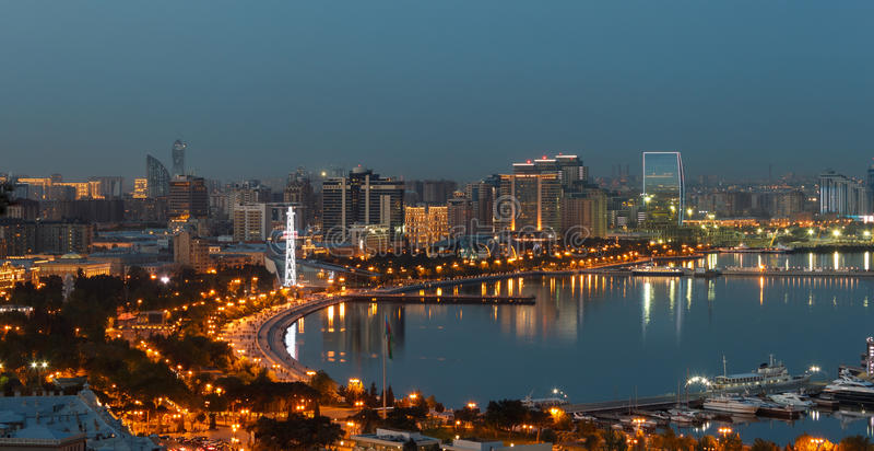 Panorama Baku lizenzfreie stockfotografie