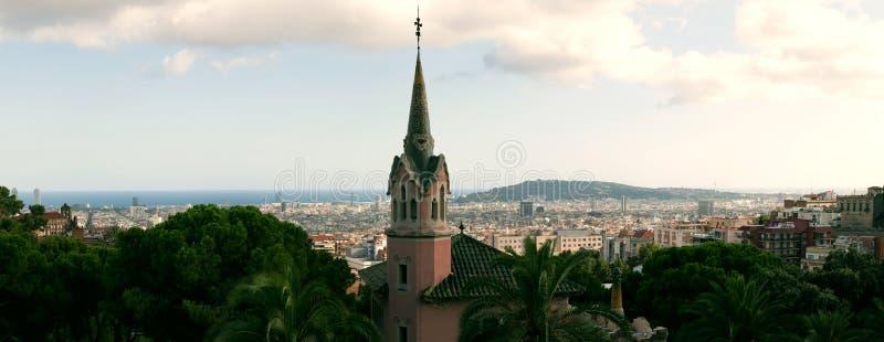 Panorama Barcelona do parque Guell por GA fotos de stock