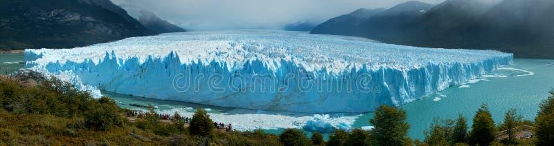 Panorama- beskåda av Perito Moreno Glacer, Patagonia, Argentina. royaltyfri foto