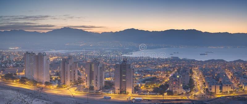 Panorama- beskåda på Eilat och Aqaba arkivfoto