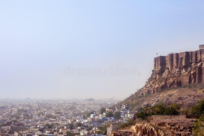 Panorama bleu de ville de Jodhpur Inde avec la forteresse photos stock