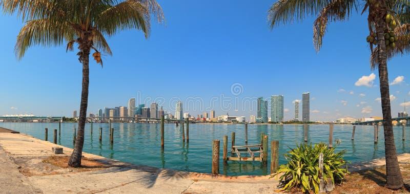 Panorama céntrico del horizonte de Miami fotografía de archivo libre de regalías