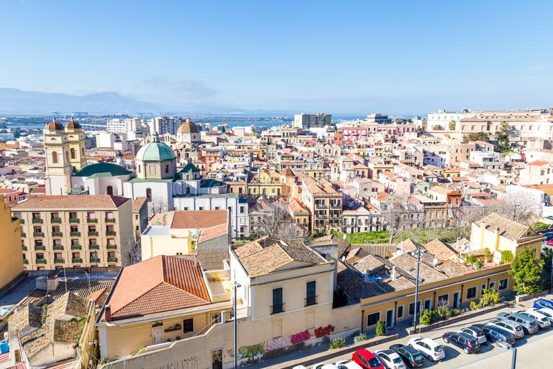 Panorama Cagliari, Sardinia ö, Italien royaltyfri bild