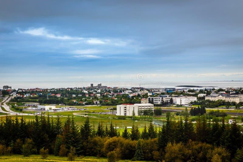 Panorama capital islandés, calles y wi resedential de los edificios fotografía de archivo libre de regalías