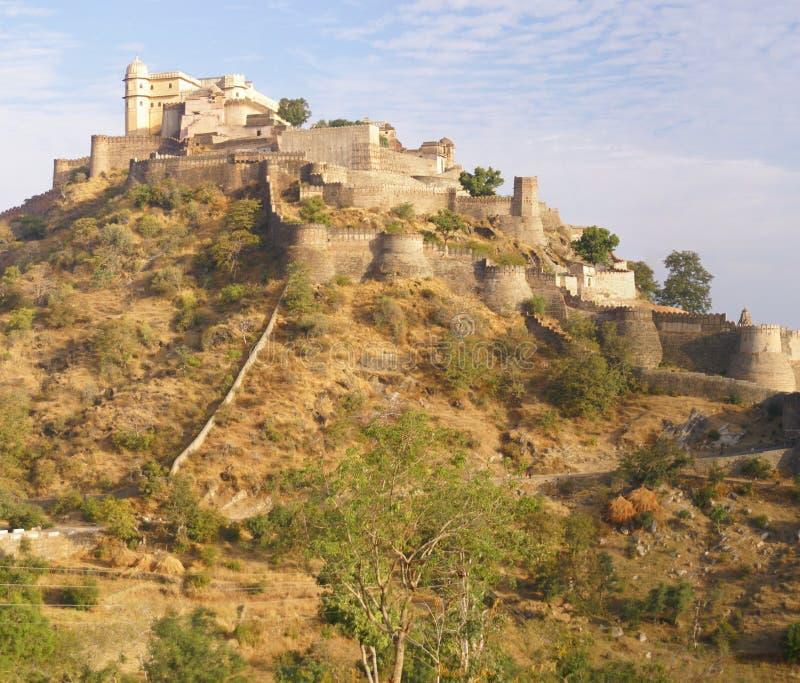Panorama, castello e pareti fortificate fotografie stock