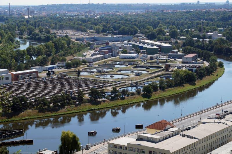 Panorama central de station d'épuration et de ville Tchèque Republi photos libres de droits