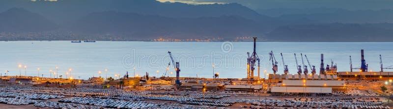 Panorama com porto da carga de Eilat, Israel fotografia de stock