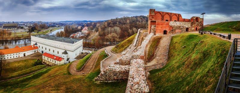 Panorama: Complesso superiore del castello di Vilnius fotografie stock