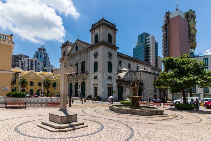 Panorama con la cattedrale ed il monumento trasversale del quadrato concentrare storico Largo da Sé Sé, Macao, Cina, Asia fotografie stock libere da diritti