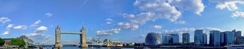 Panorama d'hôtel de ville photographie stock