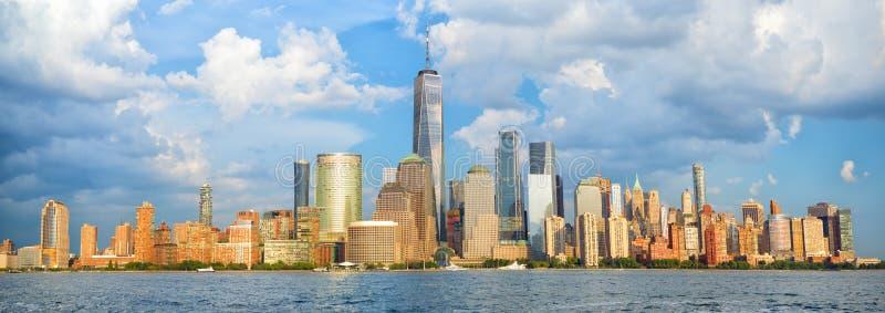 Panorama d'horizon de Manhattan images stock