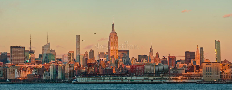Panorama d 39 horizon de manhattan au coucher du soleil new - Coucher du soleil new york ...
