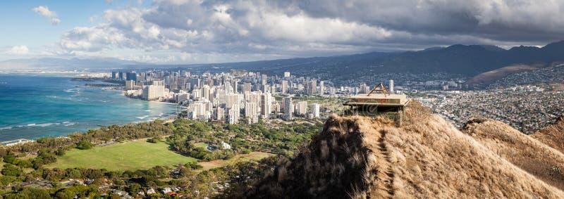 Panorama da arquitetura da cidade de Honolulu imagem de stock