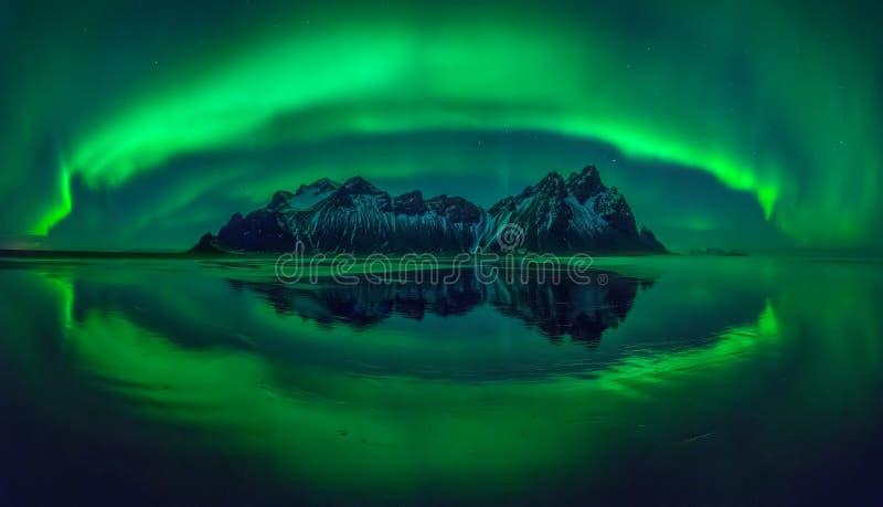 Panorama da Aurora de Stokksnes fotos de stock