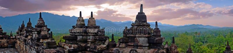 Panorama da Borobudur, tempio buddista del IX secolo in Magelang Indonesia immagini stock