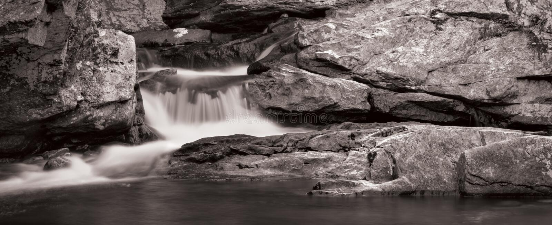 Panorama da cachoeira em B&W fotografia de stock