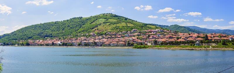 Panorama da cidade de porto de Orsova fotos de stock royalty free