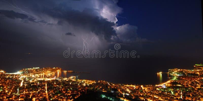 Panorama da cidade do temporal imagens de stock royalty free