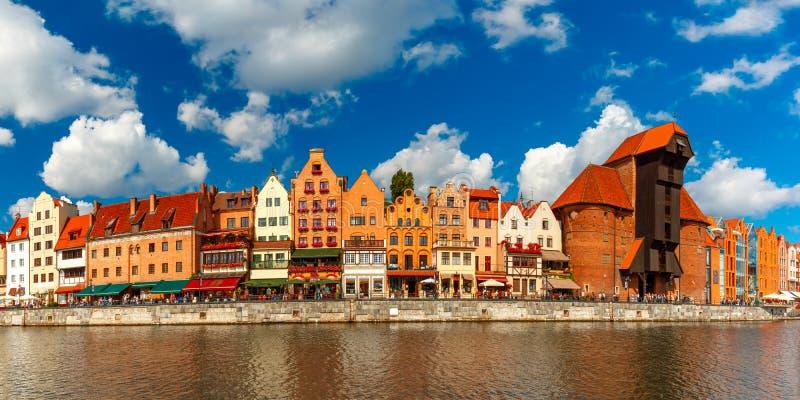 Panorama da cidade velha e do Motlawa em Gdansk, Polônia imagens de stock royalty free